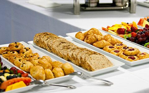 Santa Fe, New Mexico Hotel - Complimentary Breakfast